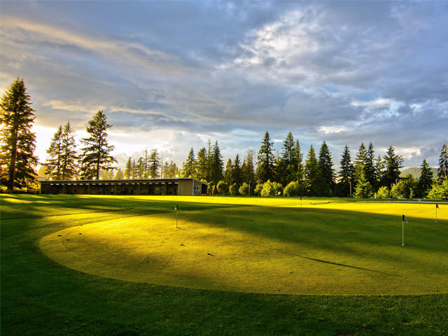 Camas Meadows Chipping Green and Covered Driving Range